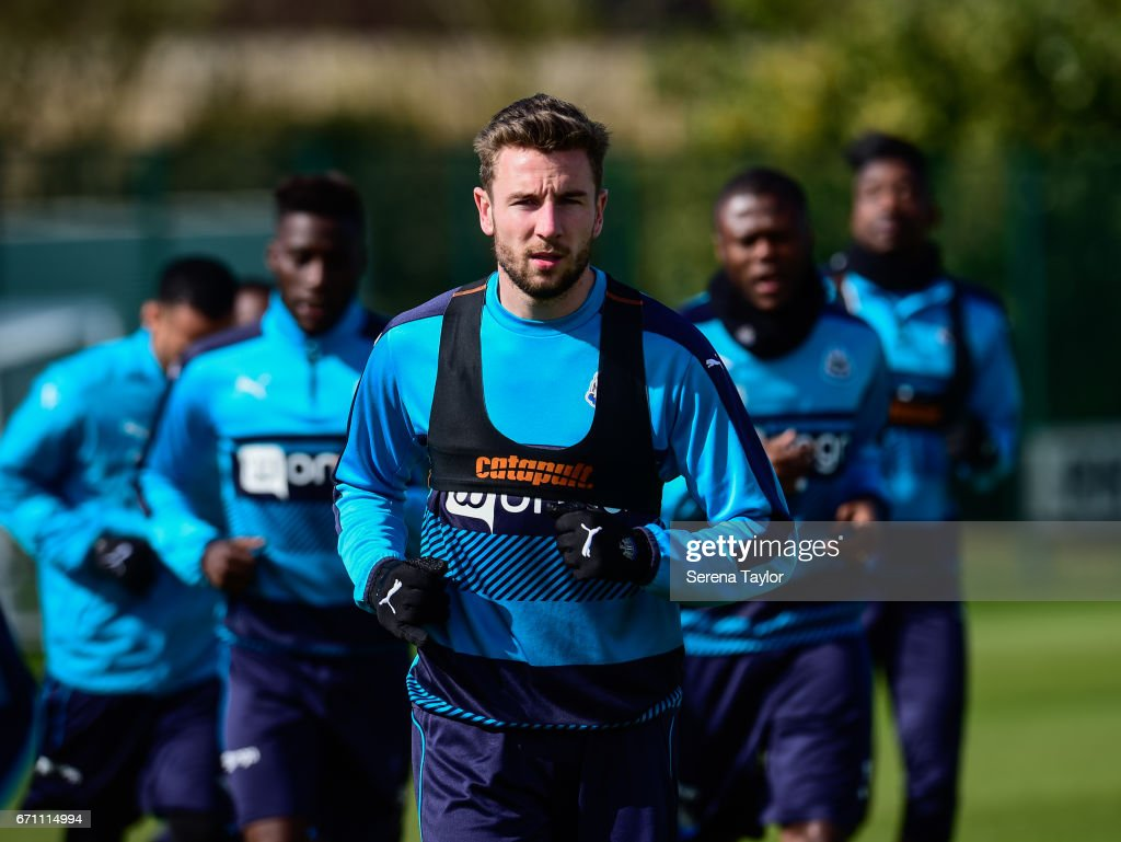 Paul Dummett jogs during the Newcastle United Training Session at the Newcastle United Training Ground on April 21, 2017 in Newcastle upon Tyne, England.