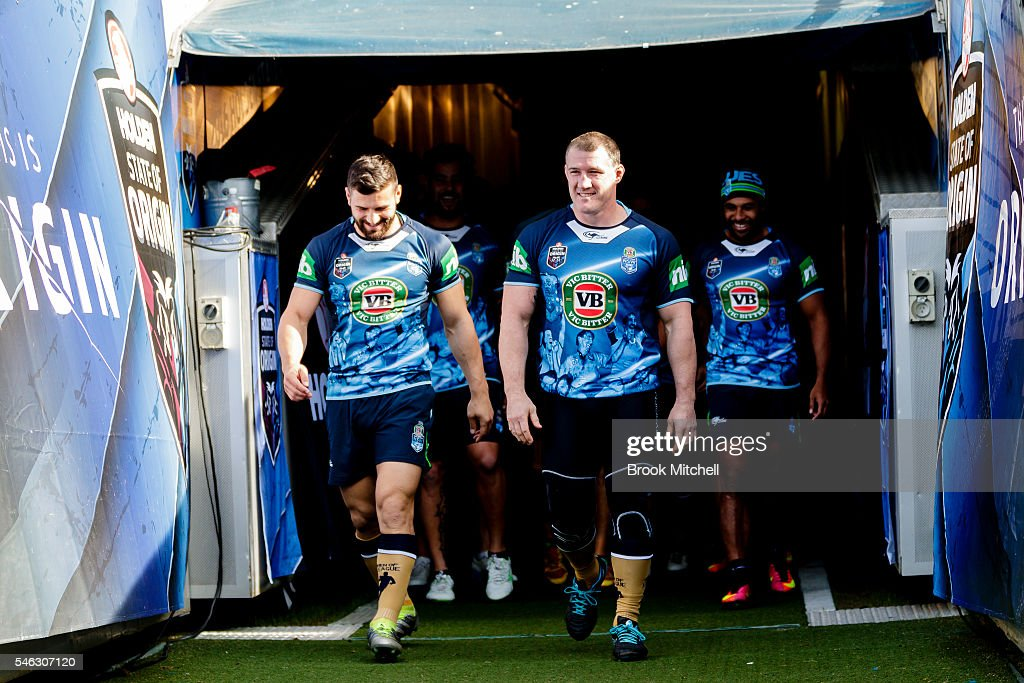 Paul Gallen (C) walks onto the field during the New South Wales Blues State of Origin captain's run at ANZ Stadium on July 12, 2016 in Sydney, Australia.