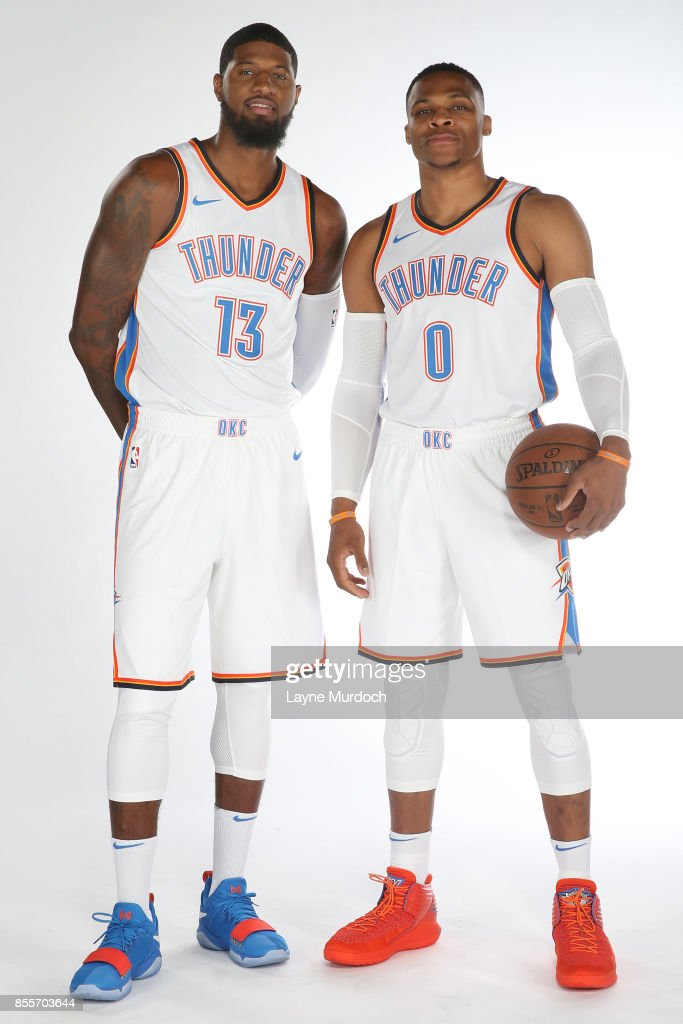 ¿Cuánto mide Paul George? - Real height Paul-george-and-russell-westbrook-of-the-oklahoma-city-thunder-pose-picture-id855703644