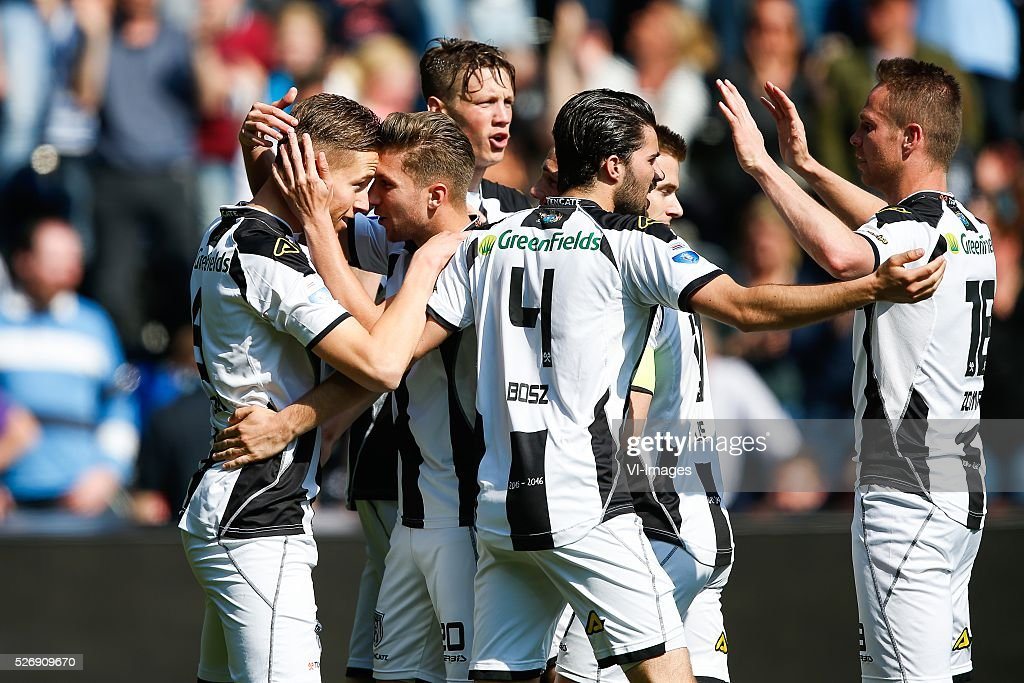 Paul Gladon of Heracles Almelo, Peter van Ooijen of Heracles Almelo, Wout Weghorst of Heracles Almelo, Gino Bosz of Heracles Almelo, Ramon Zomer of Heracles Almelo during the Dutch Eredivisie match between Heracles Almelo and ADO Den Haag at Polman stadium on May 01, 2016 in Almelo, The Netherlands