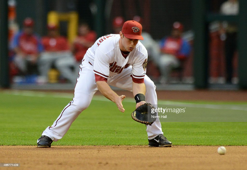 <a gi-track='captionPersonalityLinkClicked' href=/galleries/search?phrase=Paul+Goldschmidt&family=editorial&specificpeople=7511120 ng-click='$event.stopPropagation()'>Paul Goldschmidt</a> #44 of the Arizona Diamondbacks makes a play on a ground ball against the Philadelphia Phillies at Chase Field on April 25, 2014 in Phoenix, Arizona. Arizona won 5-4.