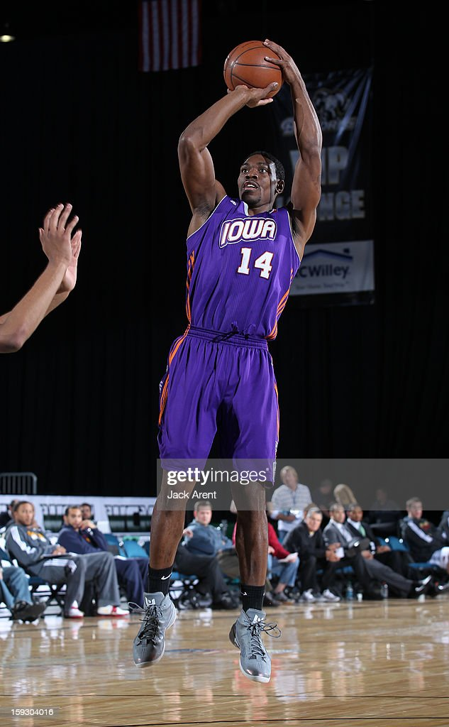 Paul Harris #14 of the Iowa Energy shoots the ball against the Austin Toros during the 2013 NBA D-League Showcase on January 10, 2013 at the Reno Events Center in Reno, Nevada.