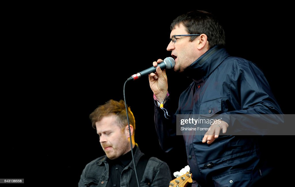 <a gi-track='captionPersonalityLinkClicked' href=/galleries/search?phrase=Paul+Heaton&family=editorial&specificpeople=2900109 ng-click='$event.stopPropagation()'>Paul Heaton</a> of <a gi-track='captionPersonalityLinkClicked' href=/galleries/search?phrase=Paul+Heaton&family=editorial&specificpeople=2900109 ng-click='$event.stopPropagation()'>Paul Heaton</a> and Jacqui Abbot performs on The Other Stage at Glastonbury Festival 2016 at Worthy Farm, Pilton on June 25, 2016 in Glastonbury, England.