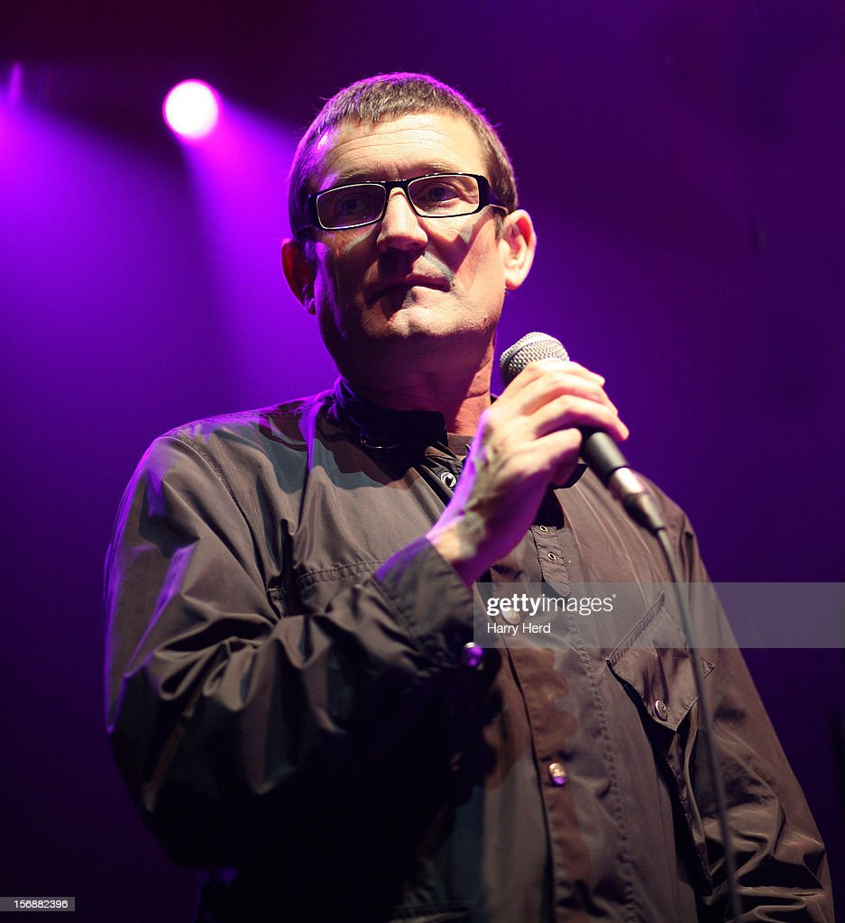 <a gi-track='captionPersonalityLinkClicked' href=/galleries/search?phrase=Paul+Heaton&family=editorial&specificpeople=2900109 ng-click='$event.stopPropagation()'>Paul Heaton</a> performs at 02 Academy on November 23, 2012 in Bournemouth, England.