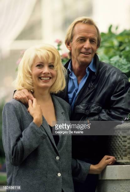 Paul Hogan and Linda Kozlowski 1988 circa