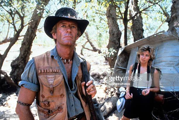 Paul Hogan and Linda Kozlowski in a scene from the film 'Crocodile Dundee' 1986