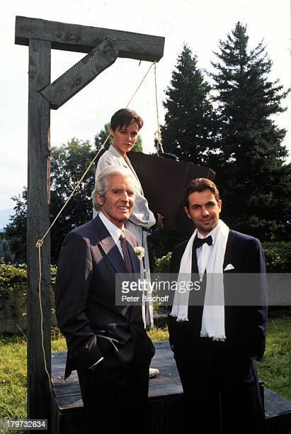 Paul Hubschmid Stefan Fleming und MajaMaranow ARDSerie 'Jolly Joker'1991 Galgen