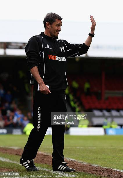 Paul Hurst the manager of Grimsby Town gives out instructions during during the Vanarama Football Conference League match between Grimsby Town and...