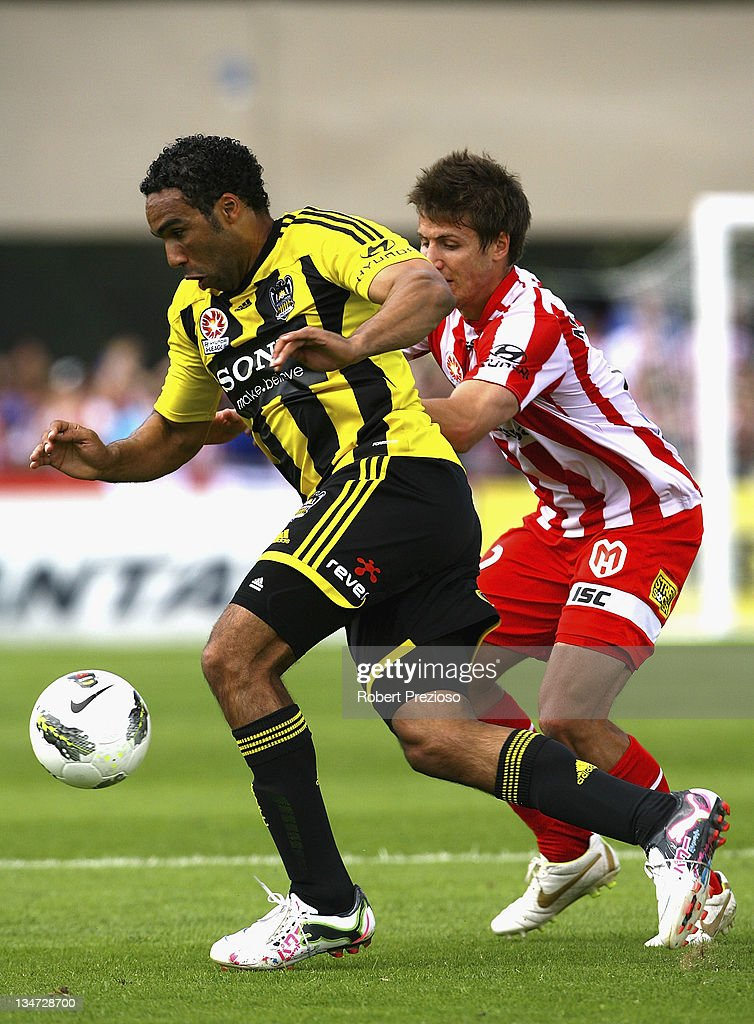 <a gi-track='captionPersonalityLinkClicked' href=/galleries/search?phrase=Paul+Ifill&family=editorial&specificpeople=234885 ng-click='$event.stopPropagation()'>Paul Ifill</a> of the Phoenix controls the ball during the round nine A-League match between the Melbourne Heart and the Wellington Phoenix at Latrobe City Sports & Entertainment Complex on December 4, 2011 in Melbourne, Australia.
