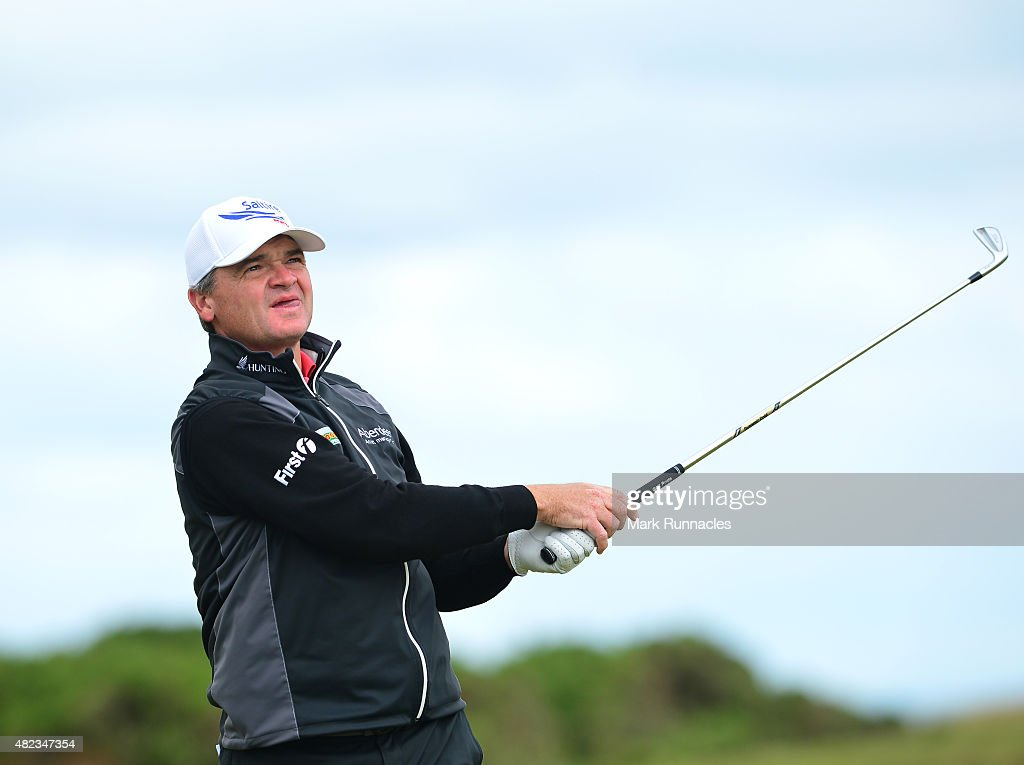 <a gi-track='captionPersonalityLinkClicked' href=/galleries/search?phrase=Paul+Lawrie&family=editorial&specificpeople=202995 ng-click='$event.stopPropagation()'>Paul Lawrie</a> of Scotland watches his approach shot to the 3rd green during the first day of the Saltire Energy <a gi-track='captionPersonalityLinkClicked' href=/galleries/search?phrase=Paul+Lawrie&family=editorial&specificpeople=202995 ng-click='$event.stopPropagation()'>Paul Lawrie</a> Matchplay at Murcar Links Golf Club on July 30, 2015 in Aberdeen, Scotland.