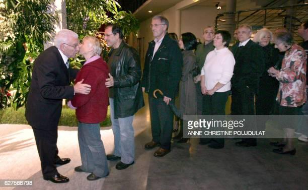 'LES MAIRES COMMUNISTES ESPERENT CONSERVER LEURS BASTIONS' Paul Lombard maire communiste de Martigues agé de 80 ans salue ses admnistrés le 09...