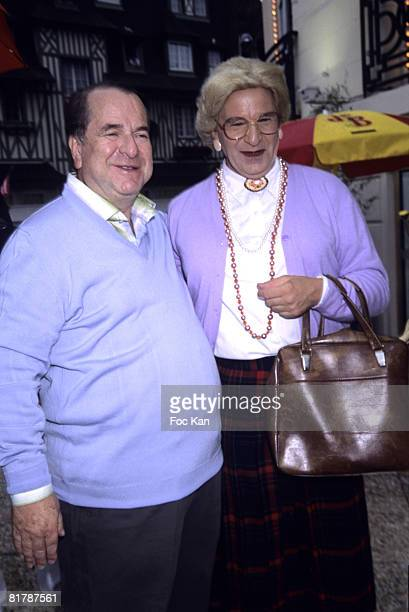Paul Loup Sulitzer and Robin Williams as Mrs Doubtfire Double