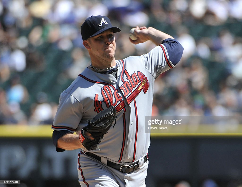 Paul Maholm #28 of the Atlanta Braves pitches against the Chicago White Sox during the first inning on July 20, 2013 at U.S. Cellular Field in Chicago, Illinois.