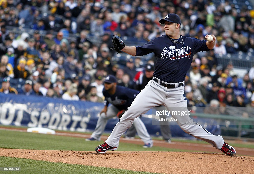 Paul Maholm #28 of the Atlanta Braves pitches in the first inning against the Pittsburgh Pirates during the game on April 20, 2013 at PNC Park in Pittsburgh, Pennsylvania.