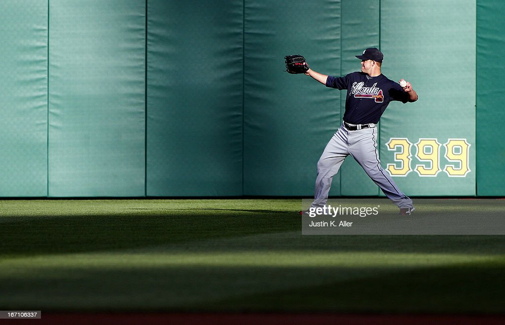 Paul Maholm #28 of the Atlanta Braves warms up in the outfield before the game against the Pittsburgh Pirates on April 20, 2013 at PNC Park in Pittsburgh, Pennsylvania.