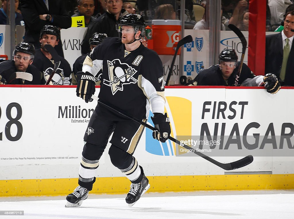 Paul Martin #7 of the Pittsburgh Penguins skates against the Ottawa Senators on April 13, 2014 at Consol Energy Center in Pittsburgh, Pennsylvania.