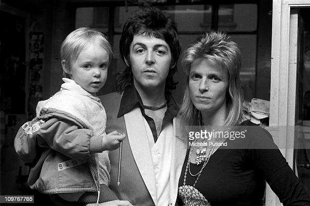 Paul McCartney and Linda McCartney with their daughter Stella McCartney on 23rd November 1973 Photo by Michael Putland/Getty Images