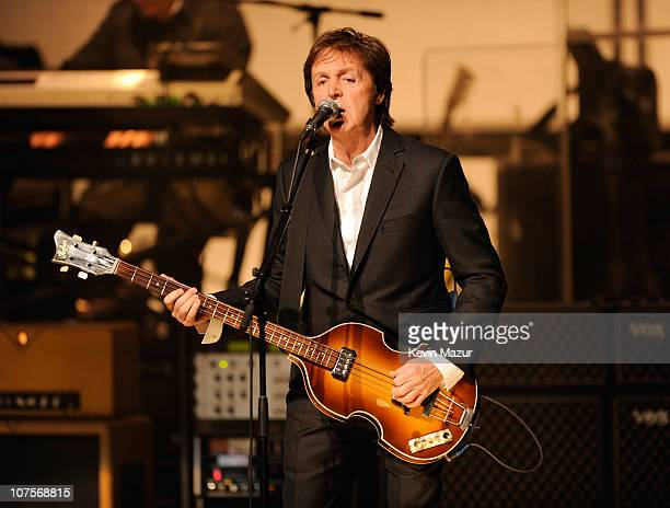 Paul McCartney plays the world famous Apollo Theater for the first time celebrating 20 million Sirius XM subscribers on December 13 2010 in New York...