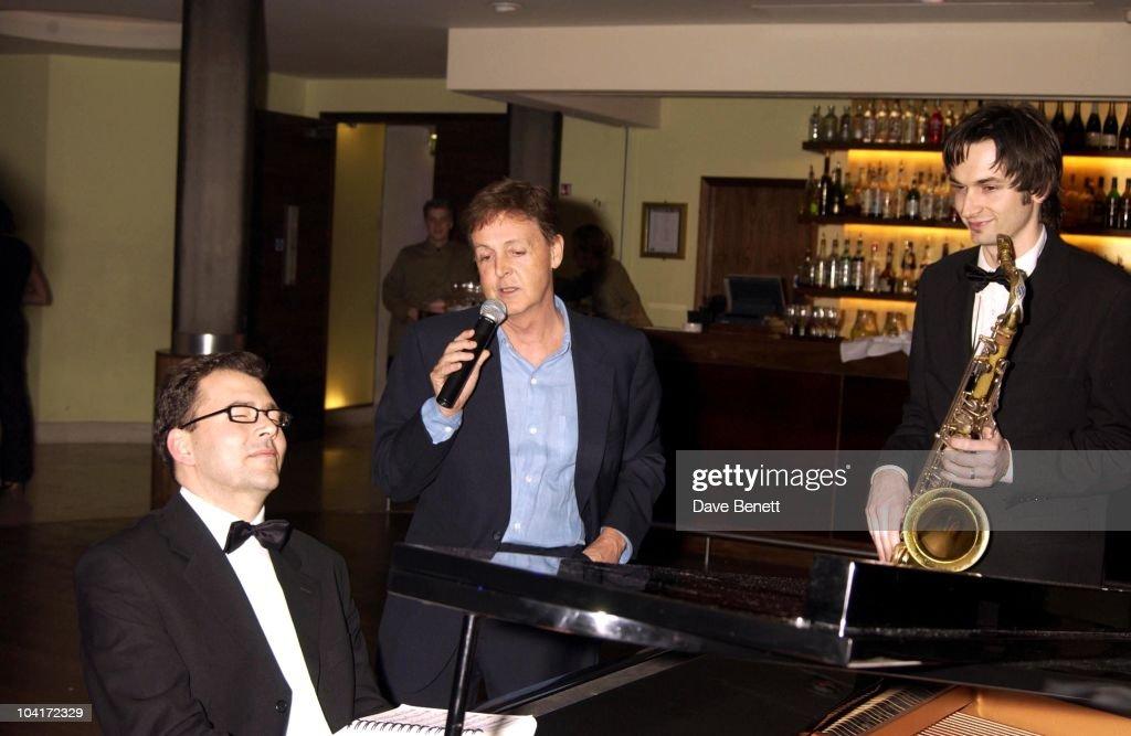 Paul Mccartney, Richard Branson Party For The Newyork Mayor Rudolph Giuliani To Celebrate His Knighthood, Babylon Resaurant, Roof Gardens, Kensington.