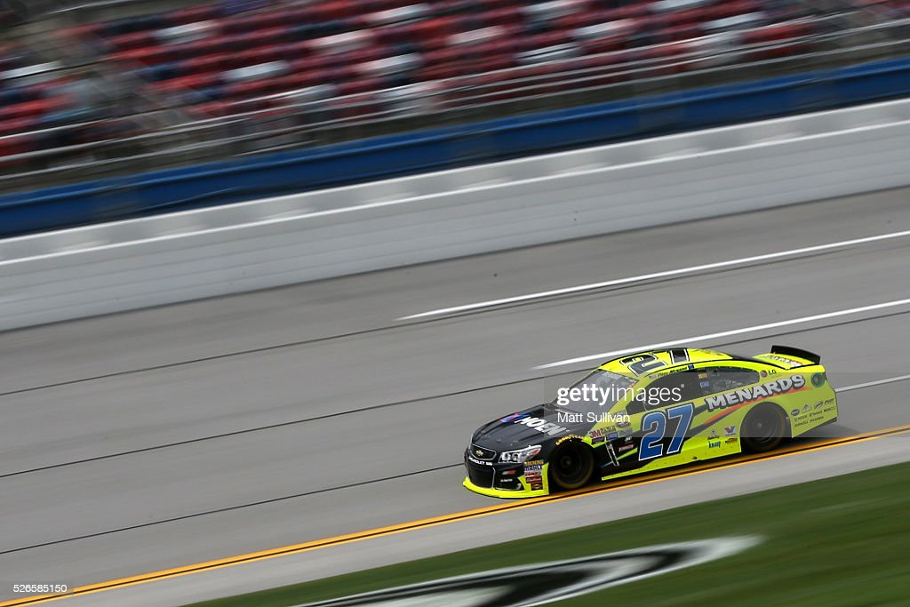 <a gi-track='captionPersonalityLinkClicked' href=/galleries/search?phrase=Paul+Menard&family=editorial&specificpeople=540271 ng-click='$event.stopPropagation()'>Paul Menard</a>, driver of the #27 Moen/Menards Chevrolet, races during qualifying for the NASCAR Sprint Cup Series GEICO 500 at Talladega Superspeedway on April 30, 2016 in Talladega, Alabama.
