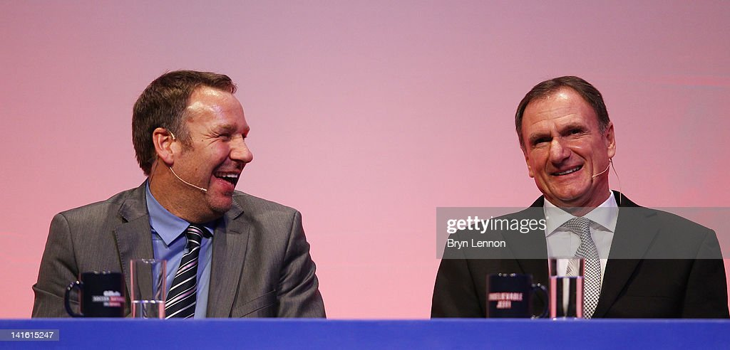 <a gi-track='captionPersonalityLinkClicked' href=/galleries/search?phrase=Paul+Merson&family=editorial&specificpeople=243283 ng-click='$event.stopPropagation()'>Paul Merson</a> (l) and <a gi-track='captionPersonalityLinkClicked' href=/galleries/search?phrase=Phil+Thompson&family=editorial&specificpeople=221560 ng-click='$event.stopPropagation()'>Phil Thompson</a> answer questions during Gillette Soccer Saturday Live with Jeff Stelling on March 19, 2012 at the Bournemouth International Centre in Bournemouth, England.