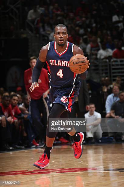 Paul Millsap of the Atlanta Hawks brings the ball up court against the Washington Wizards in Game Four of the Eastern Conference Semifinals during...