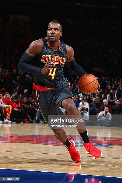 Paul Millsap of the Atlanta Hawks brings the ball up court against the New York Knicks on October 29 2015 at Madison Square Garden in New York City...