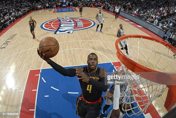 Paul Millsap of the Atlanta Hawks goes for the layup against the Detroit Pistons during the game on March 26 2016 at The Palace of Auburn Hills in...
