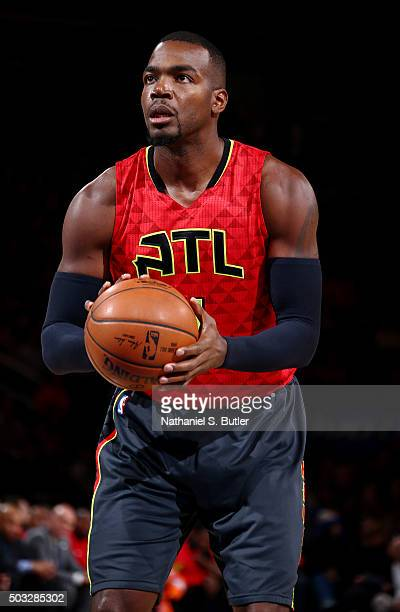 Paul Millsap of the Atlanta Hawks shoots against the New York Knicks during the game on January 3 2016 at Madison Square Garden in New York New York...