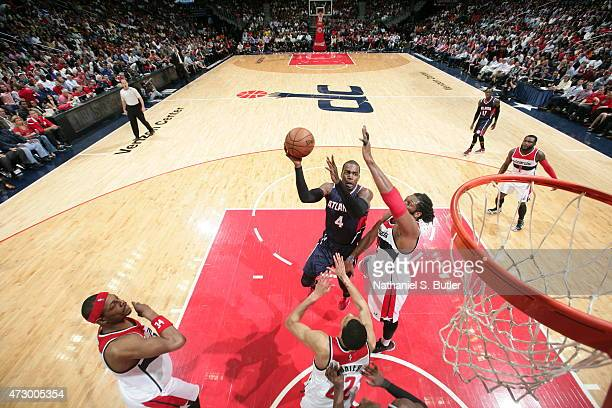 Paul Millsap of the Atlanta Hawks shoots against the Washington Wizards in Game Four of the Eastern Conference Semifinals of the 2015 NBA Playoffs at...