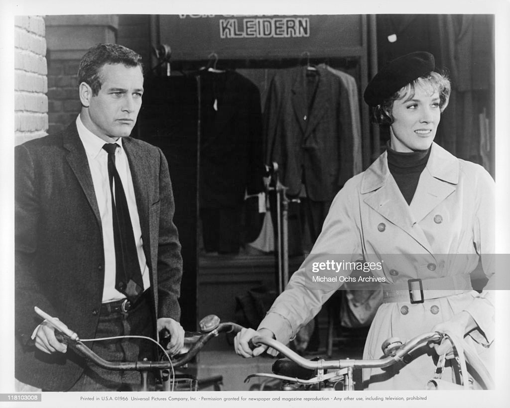 Torn curtain julie andrews - Paul Newman And Julie Andrews With Bikes In A Scene From The Film Torn Curtain