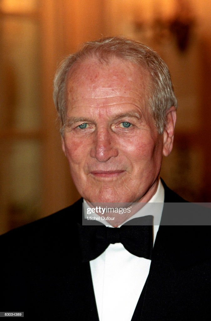 ¿Cuánto mide Paul Newman? - Altura - Real height Paul-newman-attends-the-gala-de-la-st-nicolas-at-the-ritz-hotel-in-picture-id83034389