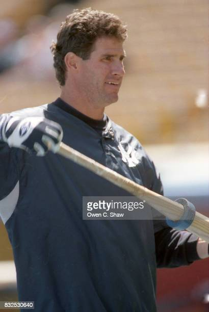 Paul O'Neill of the New York Yankees prepares to take BP against the Los Angeles Dodgers in a pre season game at Dodger Stadium circa 1999 in Los...