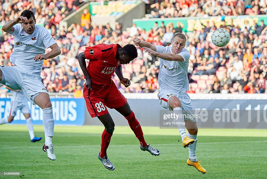 Paul Onuachu of FC Midtjylland scores the 1-0 goal during the Europa League Qualifier match between FC Midtjylland and FK Suduva at MCH Arena on June 30, 2016 in Herning, Denmark.