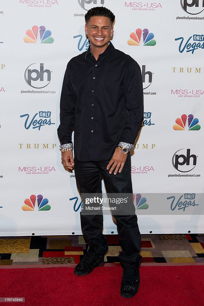 DJ Paul 'Pauly D' DelVecchio arrives at the 2013 Miss USA pageant at Planet Hollywood Resort & Casino on June 16, 2013 in Las Vegas, Nevada.