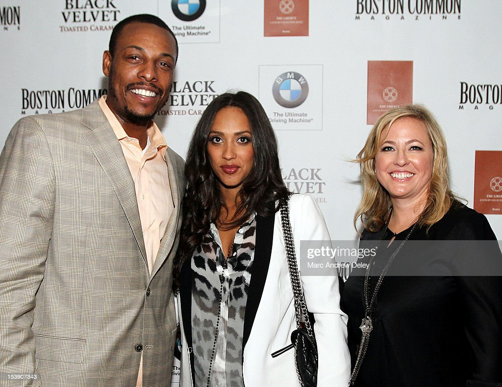 <a gi-track='captionPersonalityLinkClicked' href=/galleries/search?phrase=Paul+Pierce&family=editorial&specificpeople=201562 ng-click='$event.stopPropagation()'>Paul Pierce</a>, Julie Pierce and Janice O'Leary, Editor-in-Chief of Boston Common arrive as Boston Common Magazine Celebrates Boston Celtics Star Rajon Rondo at The Liberty Hotel on October 10, 2012 in Boston, Massachusetts.