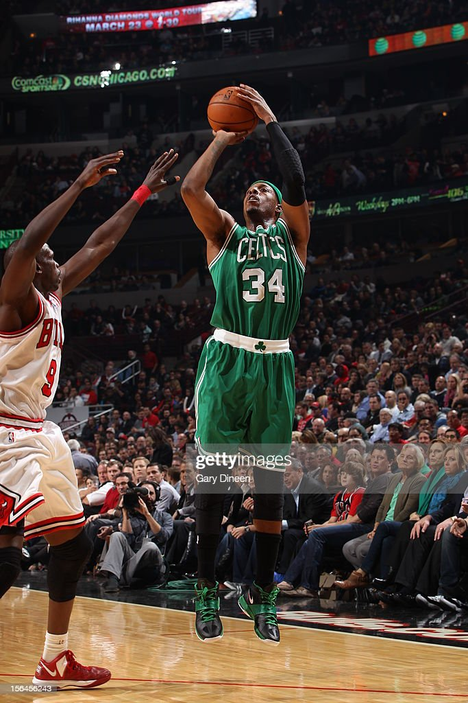 Paul Pierce #34 of the Boston Celtics shoots the ball against Luol Deng #9 of the Chicago Bulls on November 12, 2012 at the United Center in Chicago, Illinois.