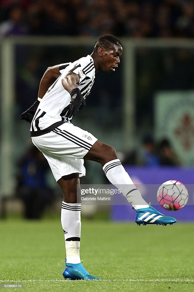 Paul Pogba of Juventus FC in action during the Serie A match between ACF Fiorentina and Juventus FC at Stadio Artemio Franchi on April 24, 2016 in Florence, Italy.
