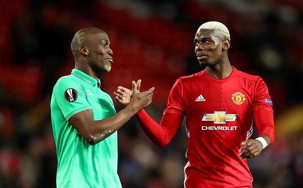 Manchester United v AS Saint-Etienne - UEFA Europa League Round of 32: First Leg : Fotografía de noticias