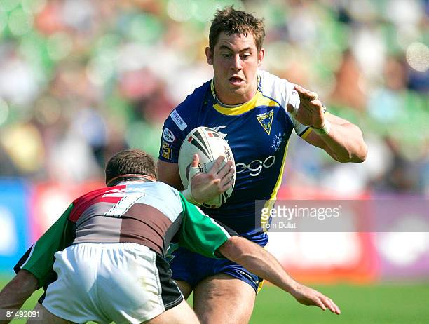 UNE 08 Paul Rauhihi of Warrington Wolves in action during the engage Super League match between Harlequins RL and Warrington Wolves at The Stoop on...