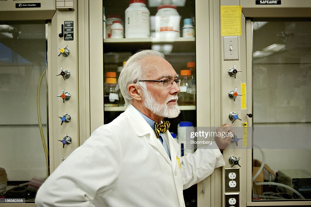J. Paul Robinson, a professor at Purdue University and chairman of the faculty senate, stands for a portrait in his lab in the Bindley Bioscience Center in West Lafayette, Indiana, U.S., on Monday, Oct. 22, 2012. The 59-year-old professor of biomedical engineering is leading a faculty revolt against bureaucratic bloat at the public university in Indiana. In the past decade, the number of administrative employees jumped 54 percent, almost eight times the growth of tenured and tenure-track faculty. Photographer: Daniel Acker/Bloomberg via Getty Images