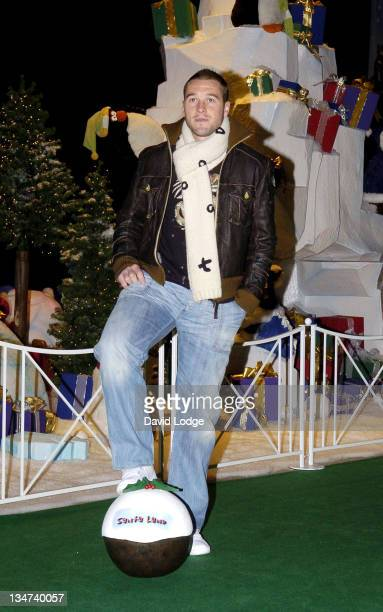 Paul Robinson during Paul Robinson England and Spurs Goalkeeping Star Officially Opens Winter Wonderland December 2 2005 at Barons Court Car Park in...