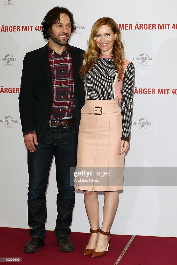 Paul Rudd and Leslie Mann attend the photocall 'Immer Aerger mit 40' (This Is 40) at Adlon Hotel on January 30, 2013 in Berlin, Germany.