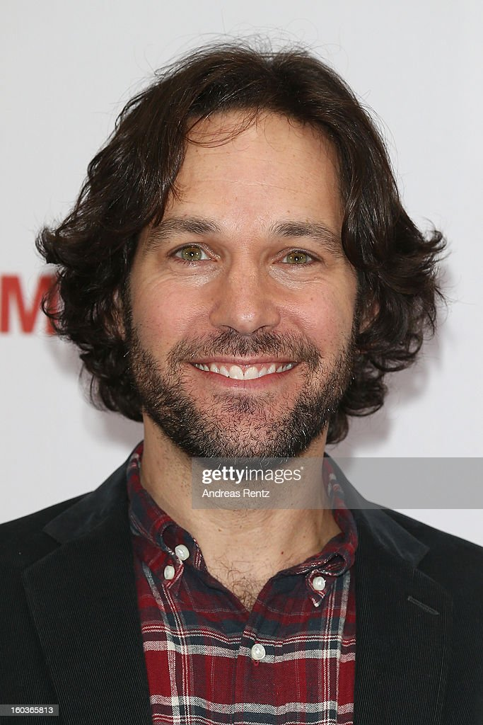 <a gi-track='captionPersonalityLinkClicked' href=/galleries/search?phrase=Paul+Rudd&family=editorial&specificpeople=209014 ng-click='$event.stopPropagation()'>Paul Rudd</a> smiles during the photocall 'Immer Aerger mit 40' (This Is 40) at Adlon Hotel on January 30, 2013 in Berlin, Germany.