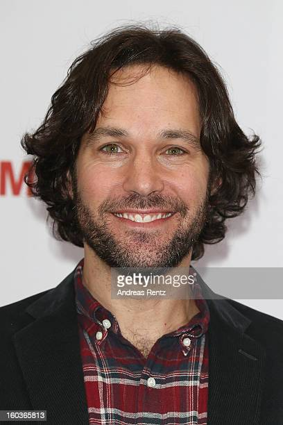 Paul Rudd smiles during the photocall 'Immer Aerger mit 40' at Adlon Hotel on January 30 2013 in Berlin Germany