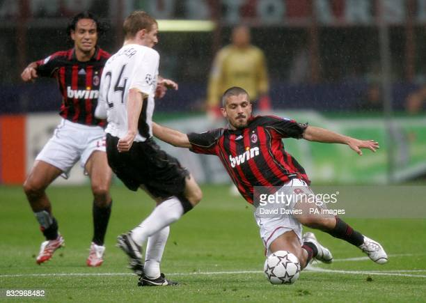 Paul Scholes Manchester United and Gennaro Gattuso AC Milan battle for the ball