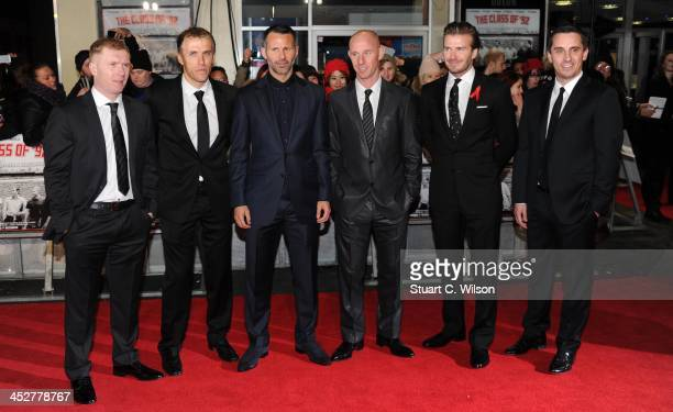 Paul Scholes Phil Neville Ryan Giggs Nicky Butt David Beckham and Gary Neville attend the world premiere of 'The Class of 92' at Odeon West End on...