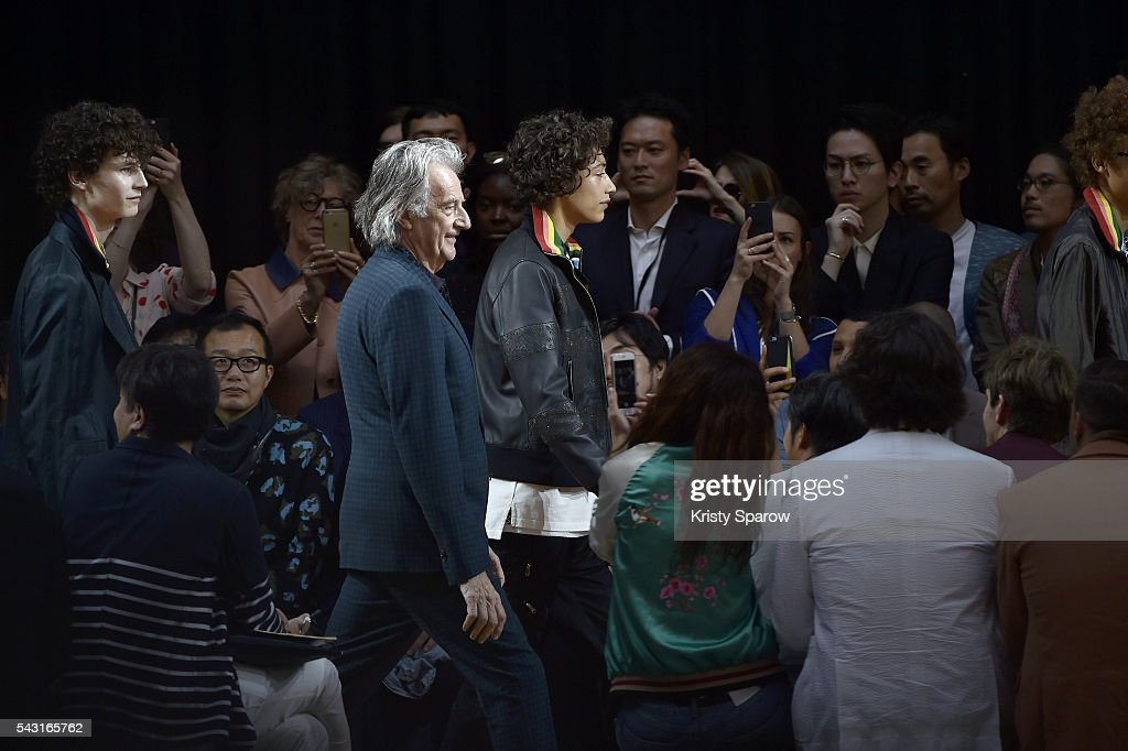 Paul Smith walks with models during the Paul Smith Menswear Spring/Summer 2017 show as part of Paris Fashion Week on June 26, 2016 in Paris, France.