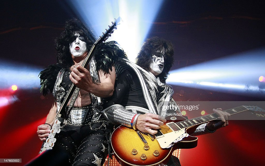 Paul Stanley and <a gi-track='captionPersonalityLinkClicked' href=/galleries/search?phrase=Tommy+Thayer&family=editorial&specificpeople=235930 ng-click='$event.stopPropagation()'>Tommy Thayer</a> of Kiss perform at The Forum on July 4, 2012 in London, England.