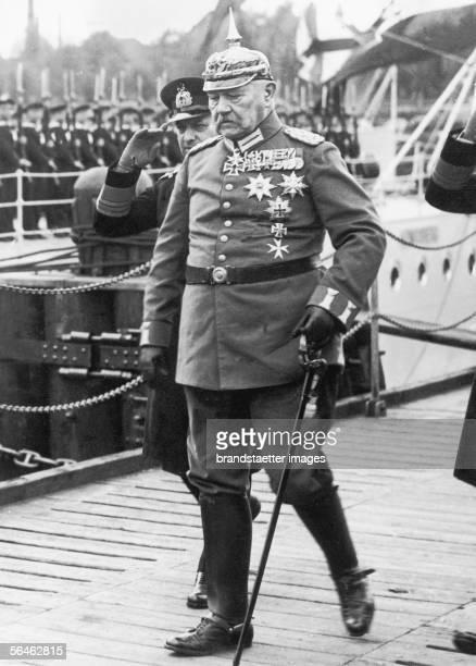 Paul von Hindenburg in the uniform of a field marshall Photography Around 1930 [Der deutsche Reichspraesident Paul von Hindenburg in...